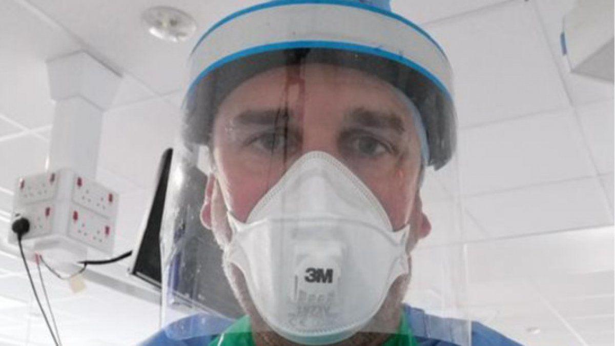 Enfermero español se ofreció como voluntario para recibir el virus Covid-19