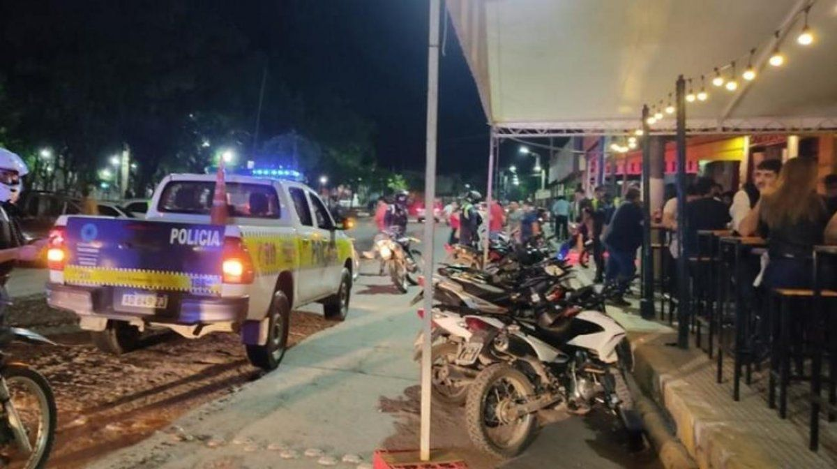 Efectivos policiales desactivaron fiestas clandestinas en el interior de Tucumán.