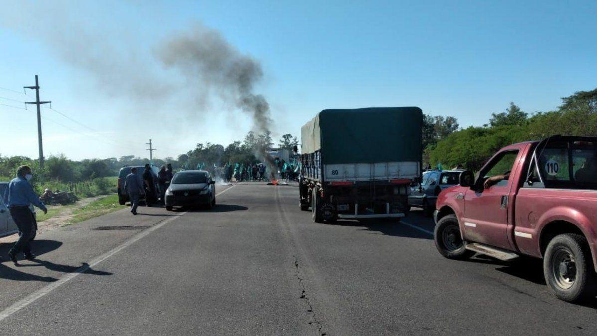 Protestaron por módulos alimentarios en las rutas 38 y 157