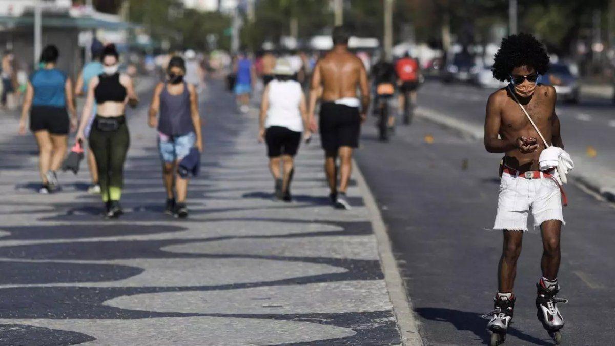 Brasil: Advierten que llegó la segunda ola de contagios