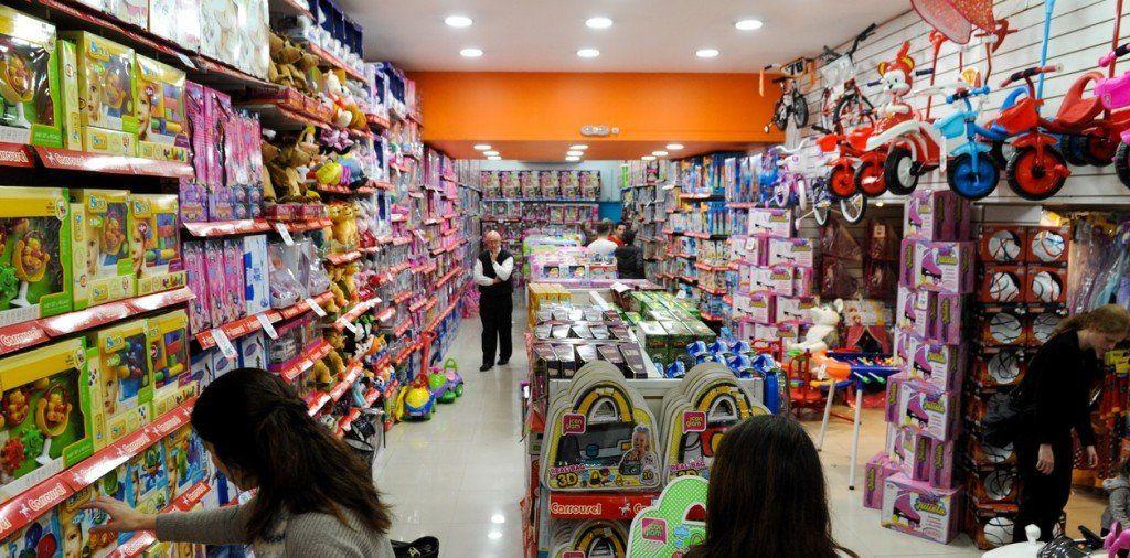 En las Fiestas, 2 de cada 3 argentinos gastará menos que el año pasado