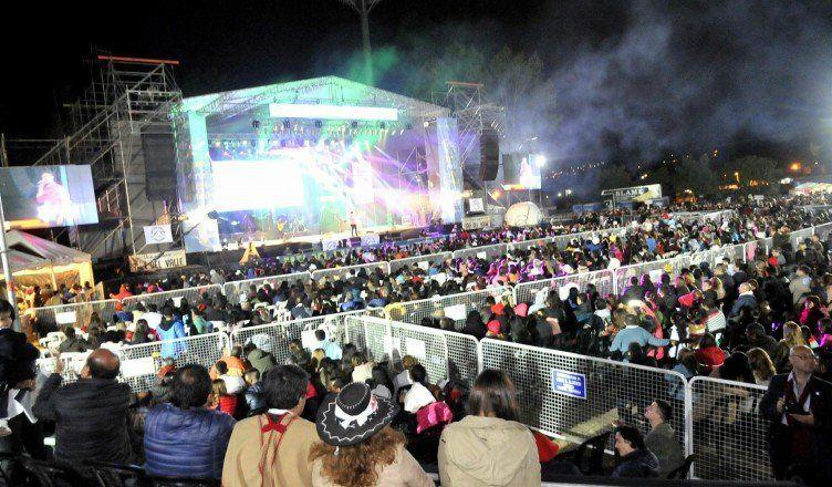 Los festivales son típicos en la temporada de los valles.