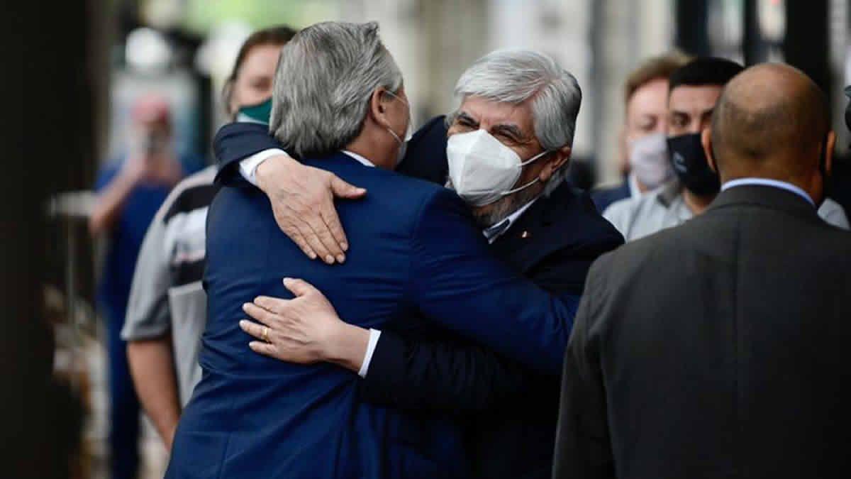 Alberto y Moyano se mostraron juntos en un acto de Camioneros
