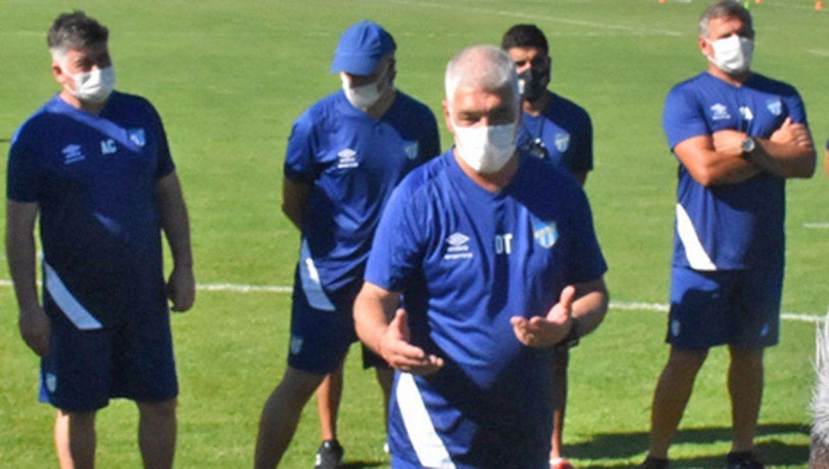 Omar De Felippe tuvo una cara nueva en la práctica