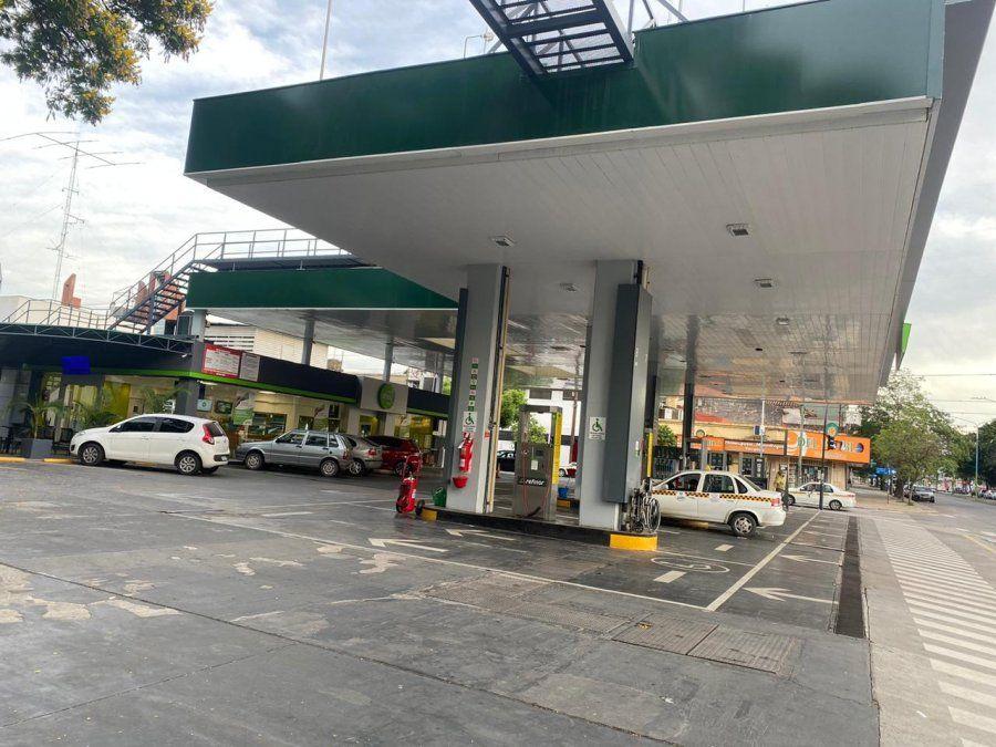 Nueva suba de la nafta en algunas estaciones de servicio en Tucumán.