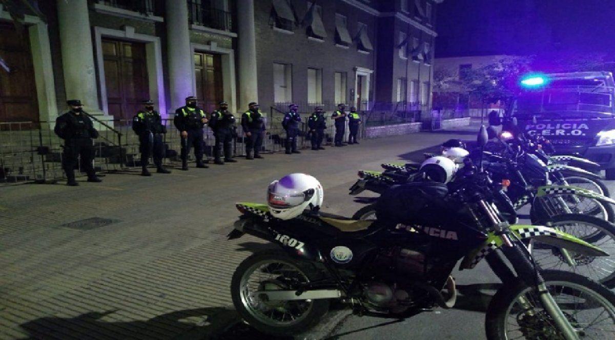 50 personas violaron las restricciones y clausuraron bares