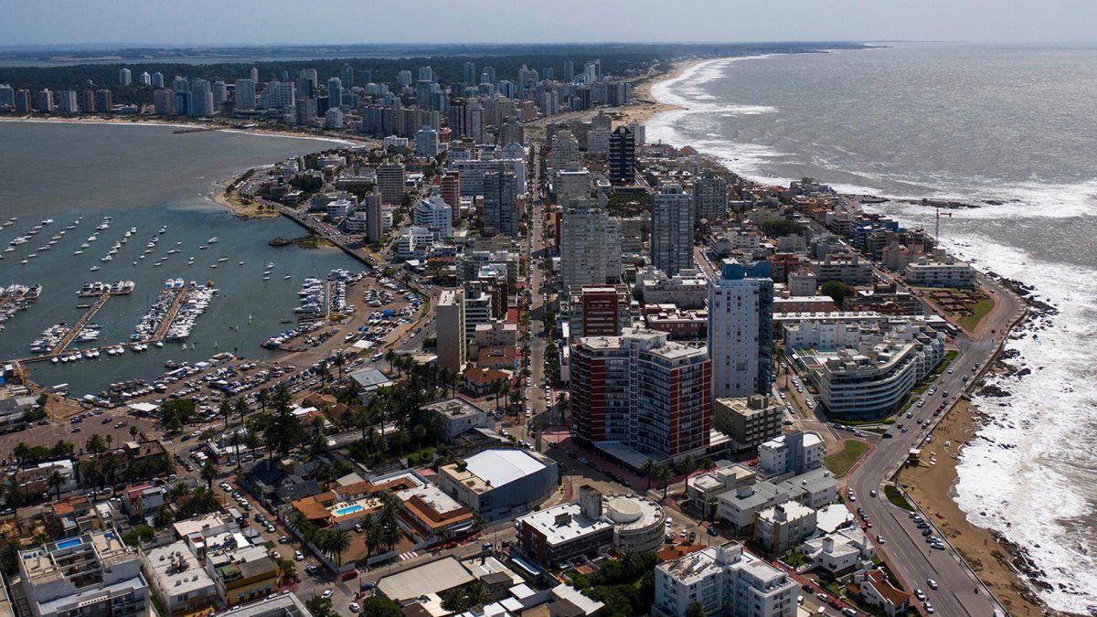 Uruguay analiza alternativas para el turismo