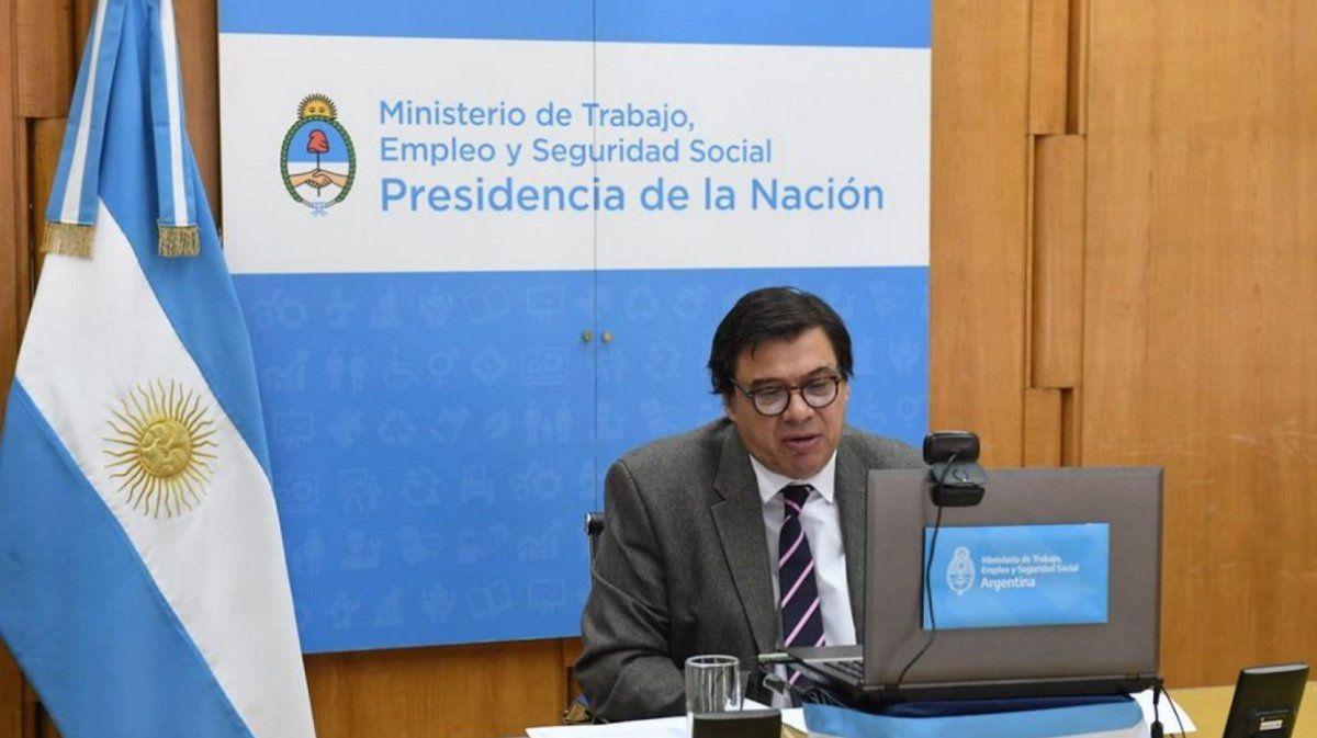 Este miércoles se definió el acuerdo por el incremento del Salario Mínimo.