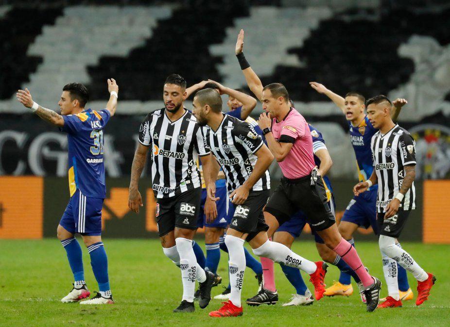 Conmebol reveló audio y video del VAR del partido de Boca