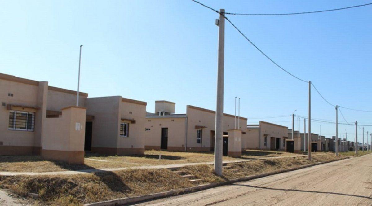 Entregan casas del barrio 180 viviendas de San Andrés