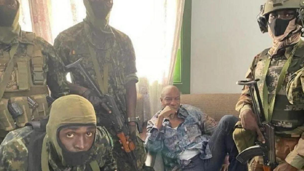 Guinea: militares arrestaron al presidente