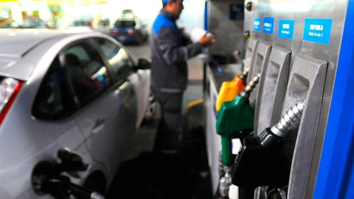 Combustibles: estaciones de servicio esperan aumento del 4%
