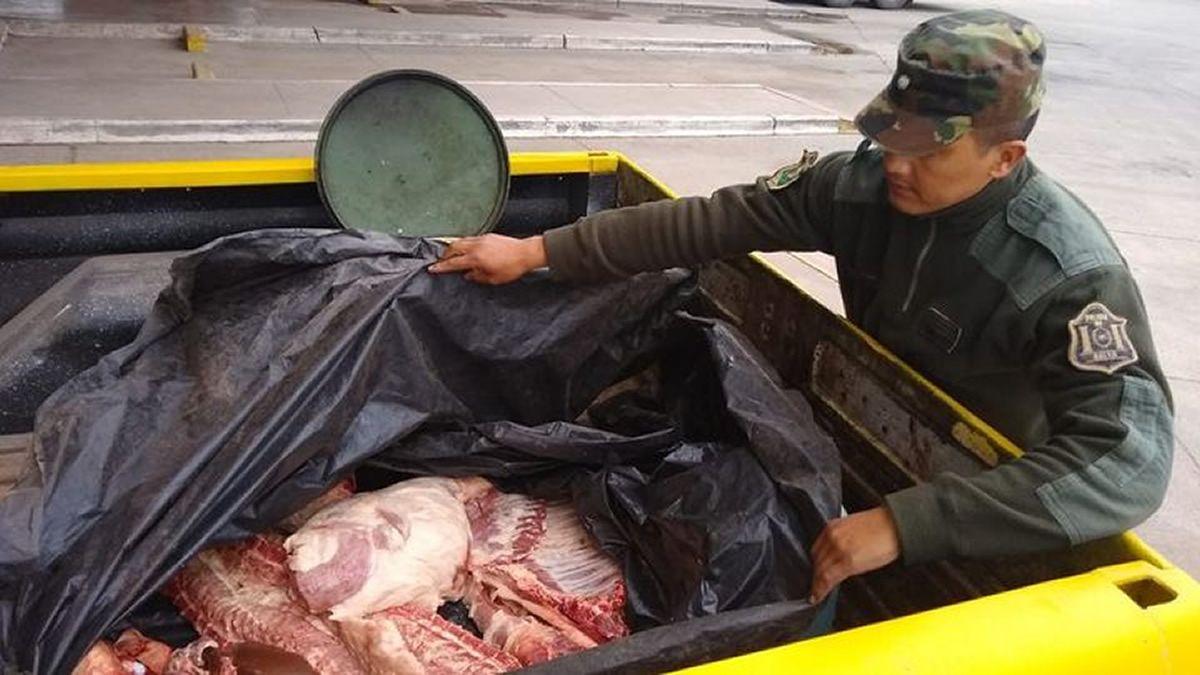 Secuestraron 70 kilos de carne porcina en Rosario de la Frontera