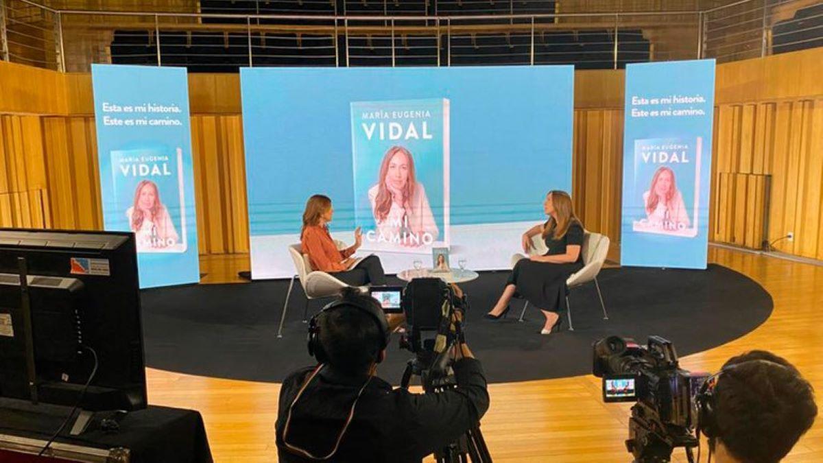 María Eugenia Vidal reapareció con críticas a Alberto Fernández. Presentó su libro Mi Camino.
