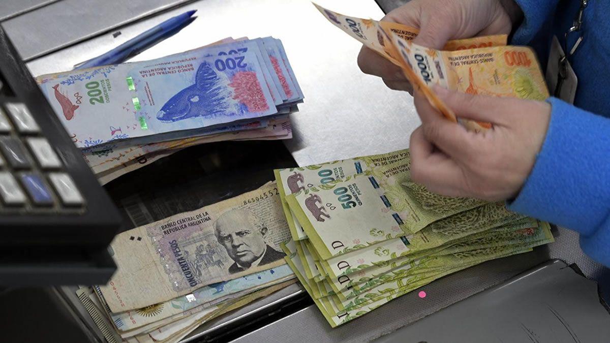 Según estimaciones, el salario real caería al nivel del 2003
