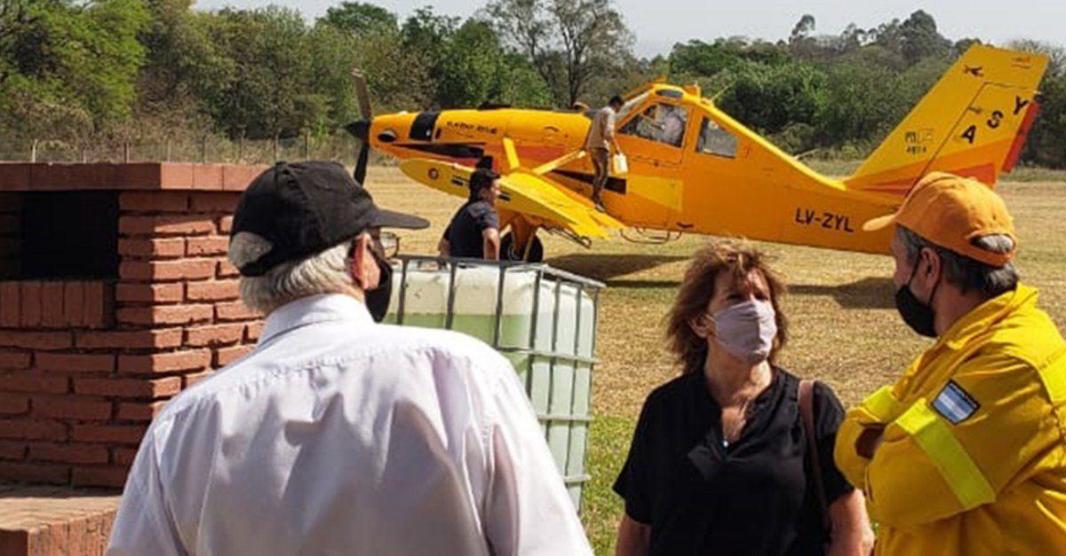Aviones hidrantes colaboran para sofocar los incendios