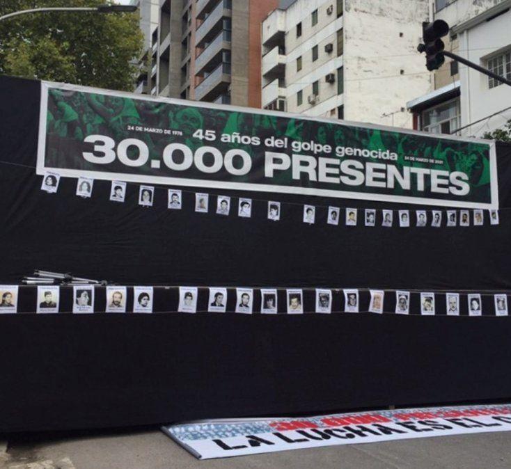 Día de la Memoria: organizaciones de DD. HH concentraron en el sitio de Memoria ex Jefatura de Policía./Cortesía H.I.J.O.S Tucumán.