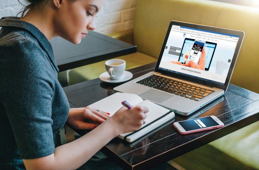 La UNT lanza el Programa de Acompañamiento al Ingreso 2022. Foto: lacamara.com.ar