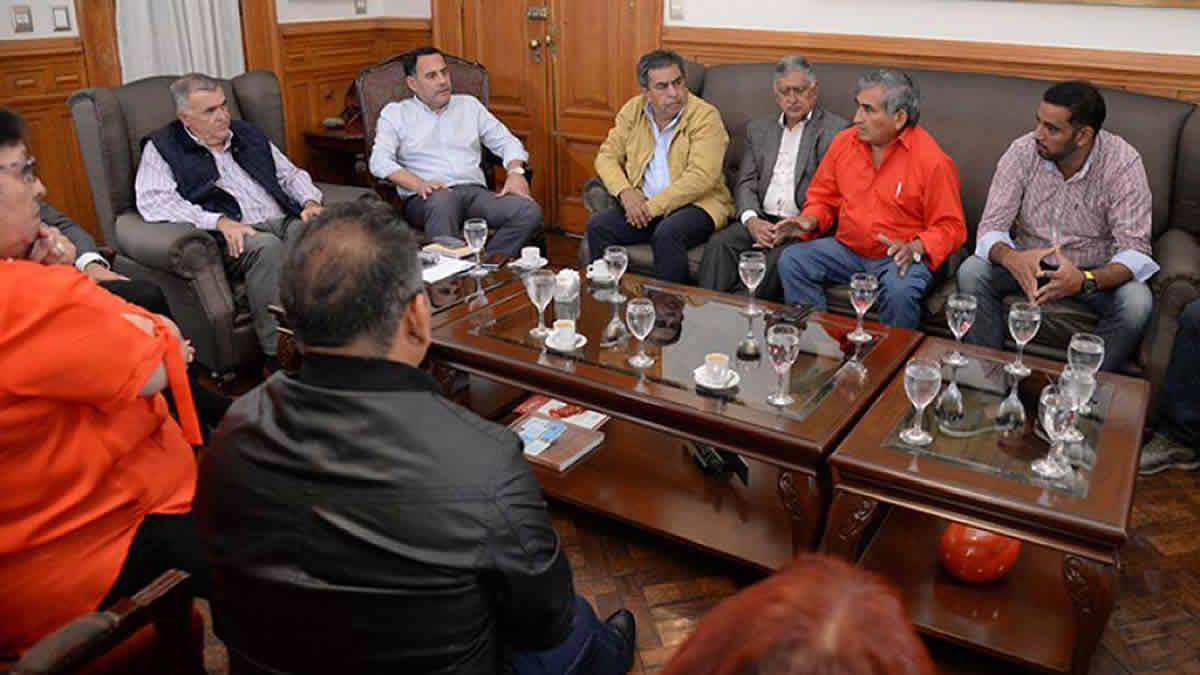 ¿Habrá bono para empleados estatales en Tucumán?