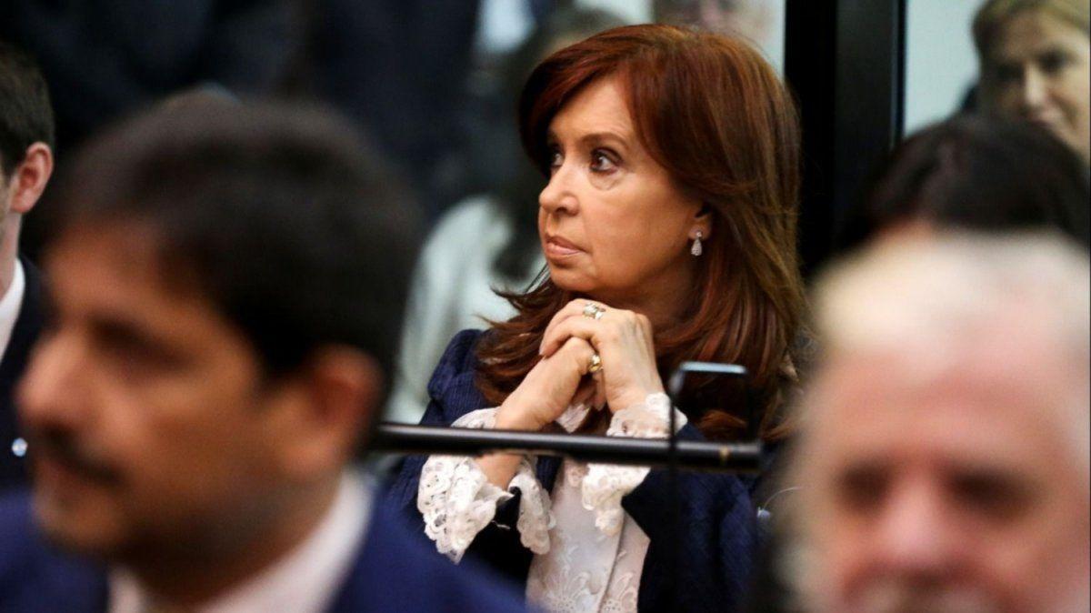 Cristina Kirchner fue sobreseída de una de las investigaciones que la imputaban.