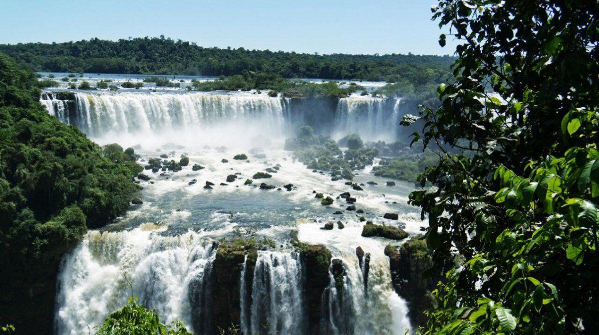 Cataratas del Iguazú reabrió y volvió a recibir visitantes