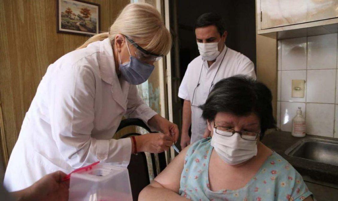 Avanza la vacunación domiciliaria a pacientes con obesidad.