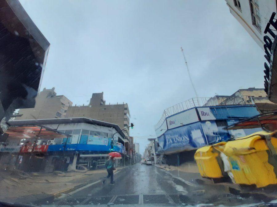 Hoy siguen las lluvias y mañana mejora el tiempo en Tucumán