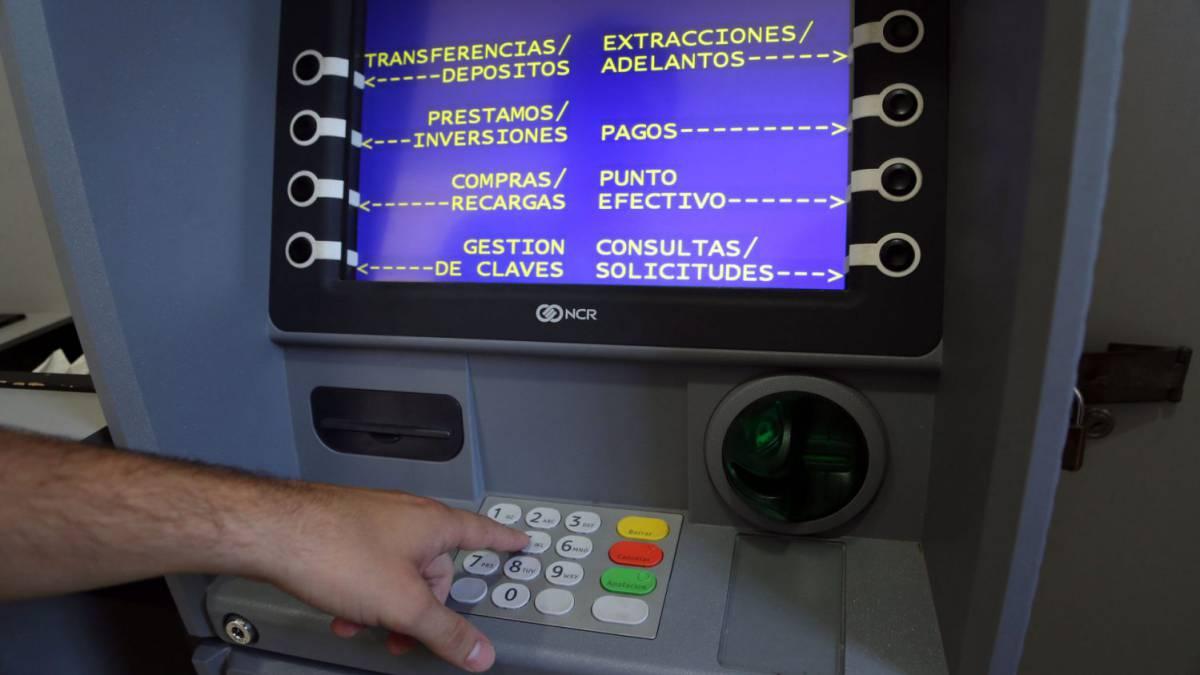 Los cajeros automáticos siempre estarán abastecidos en los bancos