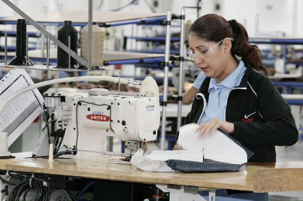 Trabajadores Textiles acordaron una suma fija hasta marzo