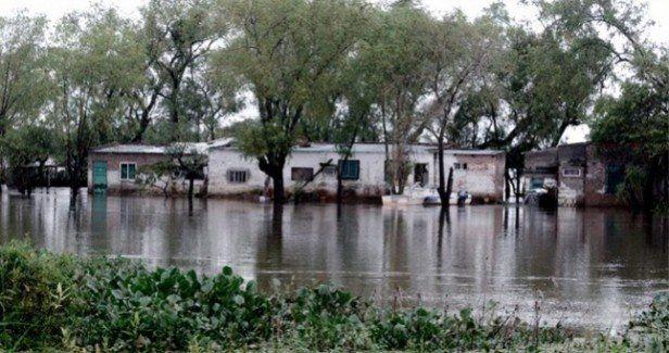 El agua no da tregua: más de 500 evacuados y 70 localidades afectadas en Santa Fe