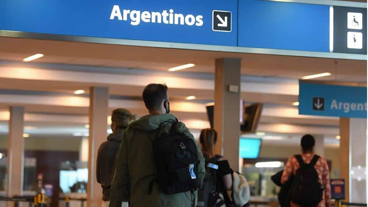 El 13% de las personas que vuelven del exterior incumple la cuarentena
