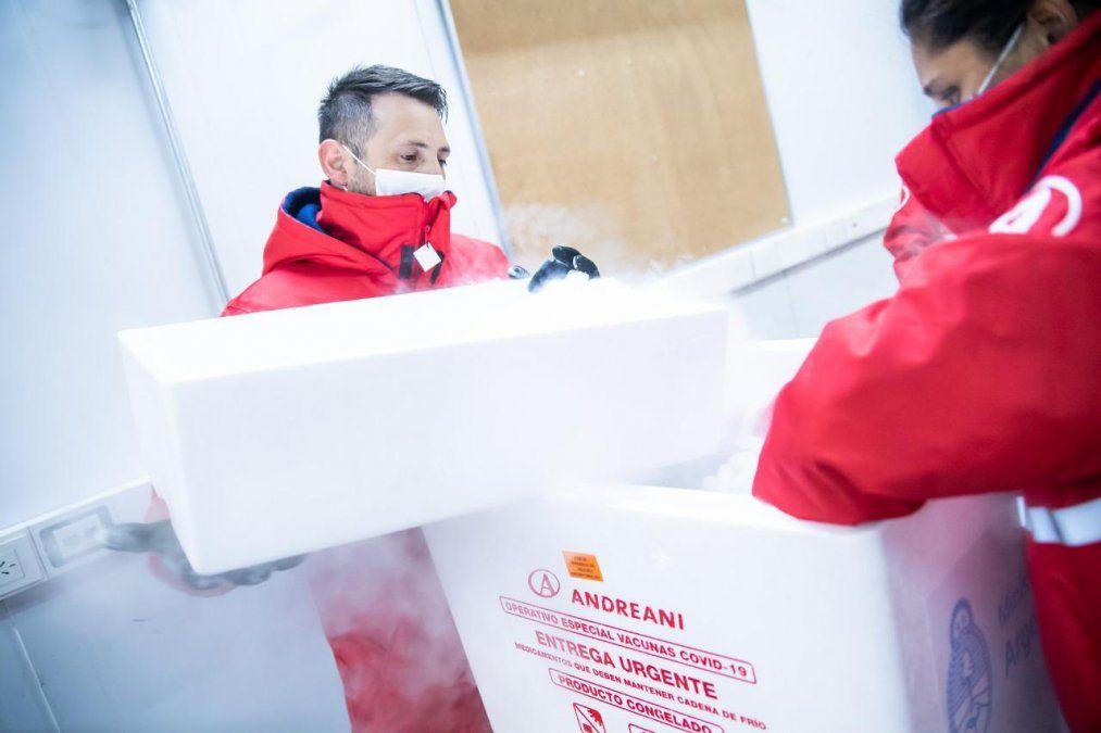 Llegaron otras 200 mil vacunas CanSino al país